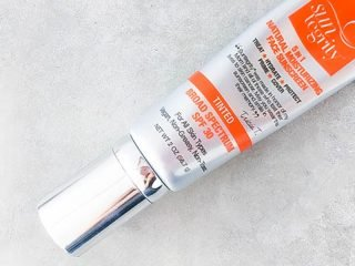 How to choose the right sunscreen for melasma and hyperpigmentation.