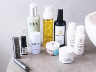 The Detox Market Best Of Green Beauty Box 2018 featuring products from Josh Rosebrook, Goop, W3LL People, Maya Chia, Osea, Odacite, Agent Nateur, Innersense, and Detox Mode.