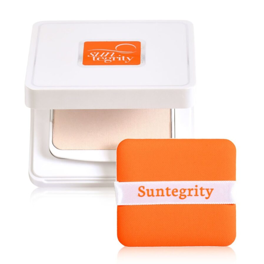 Suntegrity Mineral Powder Compact SPF50 is a translucent mineral powder sunscreen that blurs shine and imperfections as it protects from the sun.