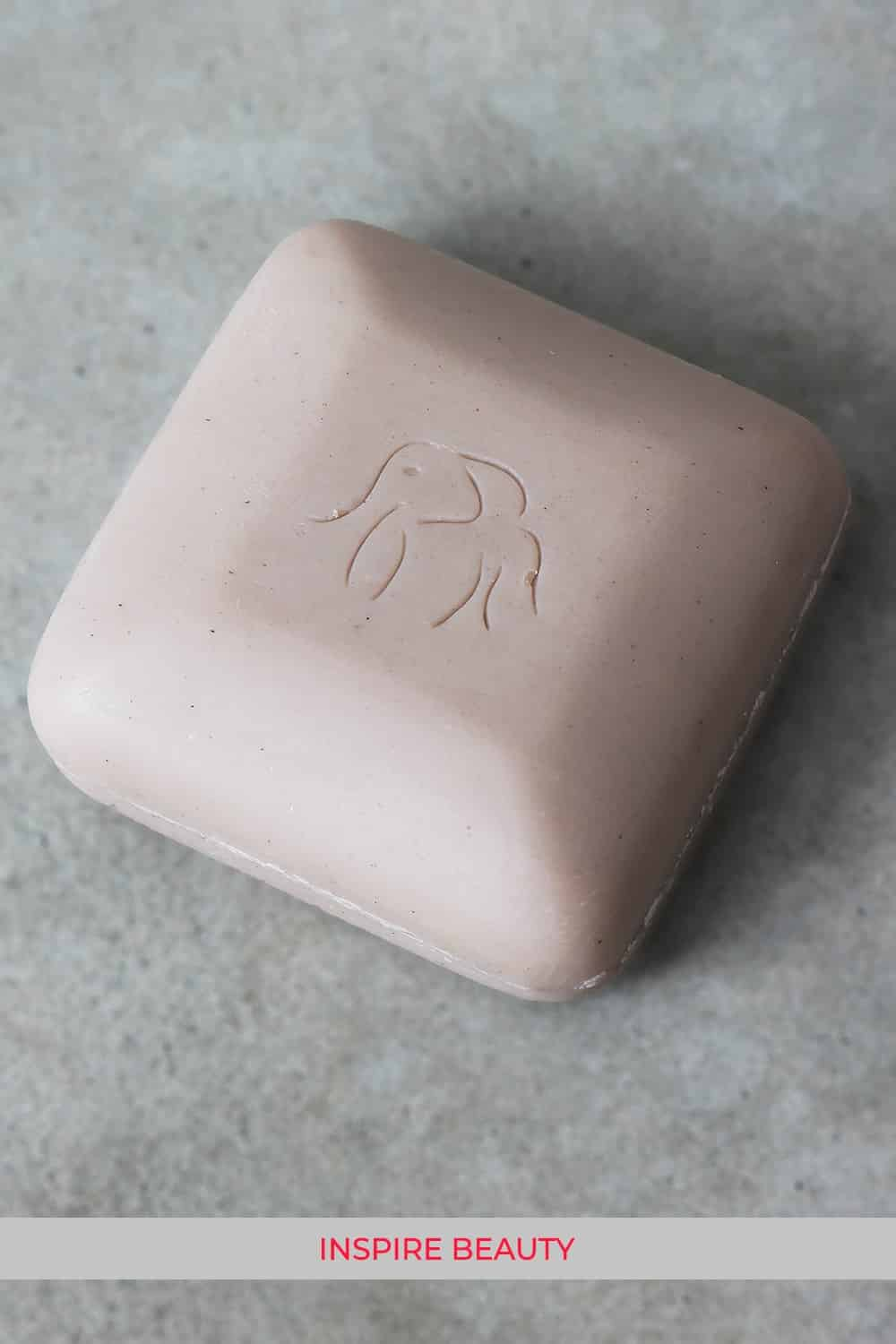 Drunk Elephant Juju Bar review, this is a mild exfoliating cleansing bar, not only good for the face but body too.