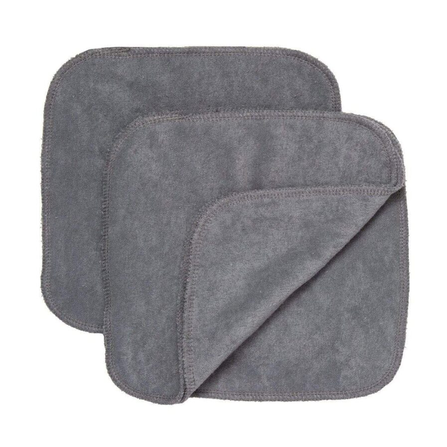 GroVia Cloth Wipes in colour Cloud are gentle reusable face cloths that remove makeup, cleansing balms and oils without scratching or irritating your skin.
