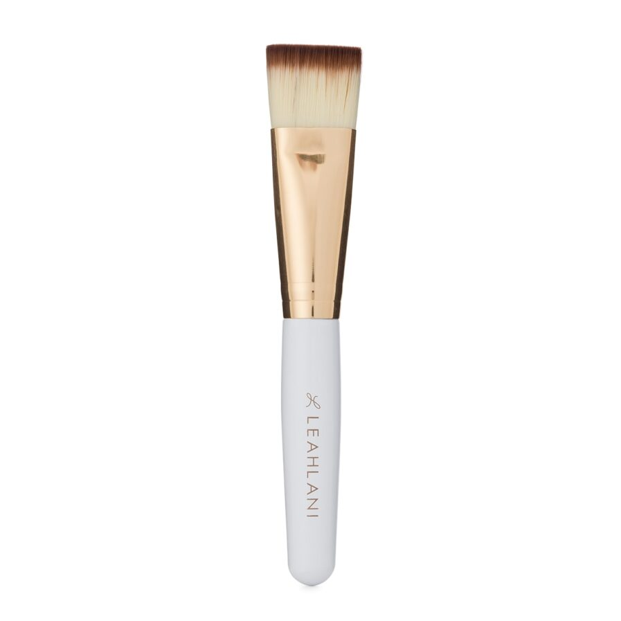 Leahlani Mask Brush is a soft, durable, vegan brush that makes applying facial masks effortless easy.